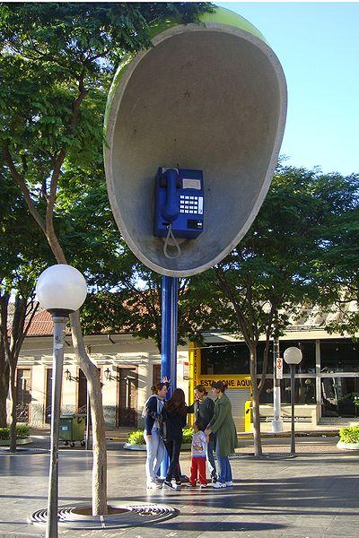 telefone-gigante-itu